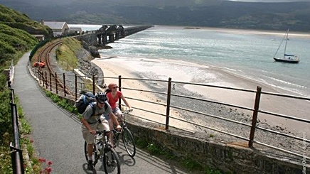 Cyclists on Barmouth railway bridge path